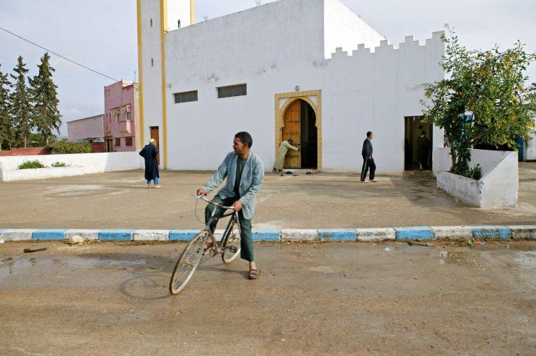 morocco mosque street photo travel tom ang